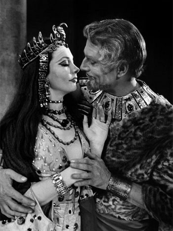 Vivien Leigh and Laurence Olivier in Anthony and Cleopatra. Photo: Cornell Capa