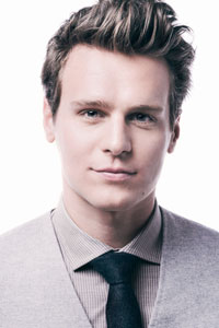 Jonathan Groff stars in How to Succeed in Business Without Really Trying