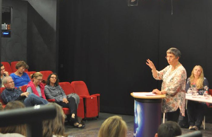 Susan Elkin talking to students at Simpky Theatre, Geneva. Photo: Alistair Dyer