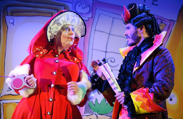 Fine Time Fontayne as Mother Goose and Andonis Anthony as the Demon of Discontent in Oldham Coliseum's Mother Goose. Photo: Joel C Fildes