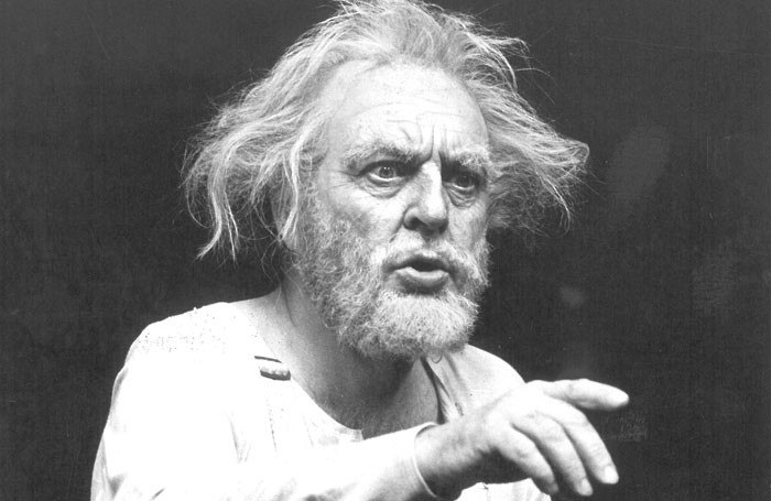 Archive Donald Sinden And The Art Of Performing King Lear