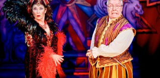 Juliet Cadzow and Gregor Fisher in Snow White at the King's Theatre, Glasgow. Photo: Nisbet and Wylie