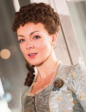 Sheridan Smith Hedda-Gabler-Old-Vic-346