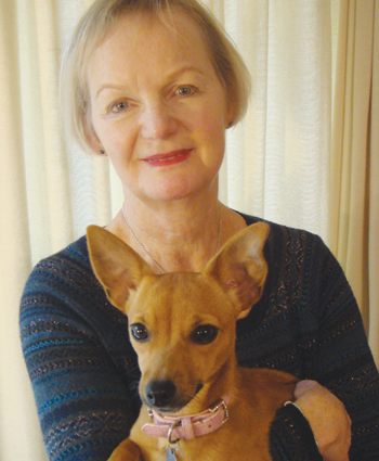 Cindy Sharville with chihuahua Beatrice,  who appeared in Legally Blonde