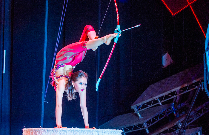 Cirque Beserk Review At The Peacock Theatre London