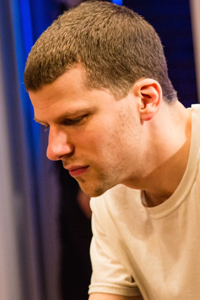 Jesse Eisenberg i The Spoils. Photo: Oliver Rosser