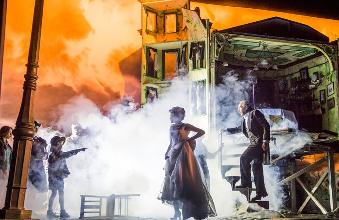 review of an inspector calls His version of an inspector calls, first seen at the national theatre in 1992, is a superb example of his ability to haul an old warhorse out of the theatrical lumber room and make it seem bold, relevant and utterly thrilling.