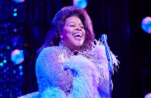 Amber-Riley-in-Dreamgirls-at-the-Savoy-Theatre-(2)