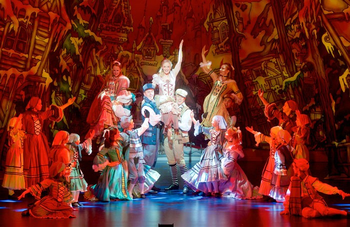 The cast of Cinderella at Bristol Hippodrome