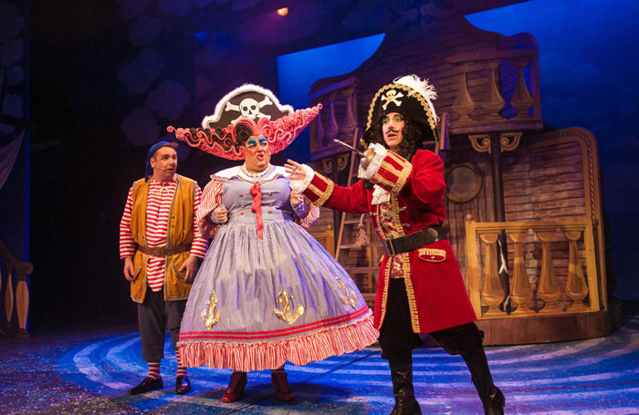 Peter Pan Review At Octagon Theatre Yeovil Inventive