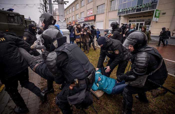 Actors from Belarus Free Theatre being arrested during the protests on March 25, 2017. Photo: Belarus Free Theatre