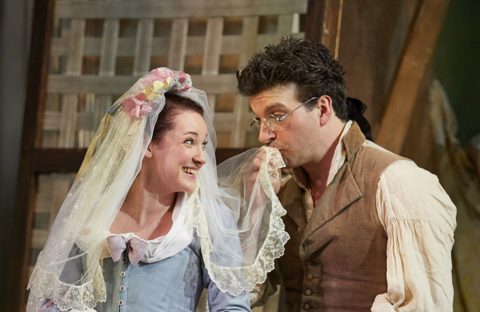 Jennifer France and Joshua Bloom in Le Nozze di Figaro at Garsington Opera. Photo: Mark Douet