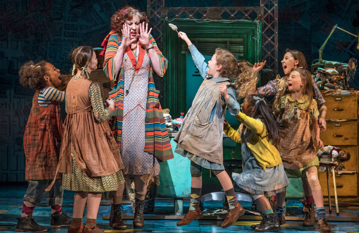 Annie Review At Piccadilly Theatre London Miranda Hart