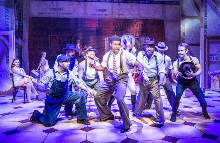 A review of the stage production of kiss me kate