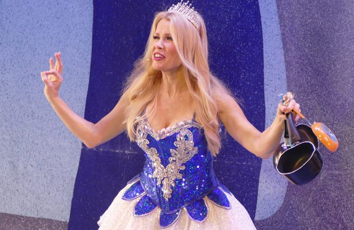 Melinda Messenger in Snow White in Kings Theatre, Portsmouth