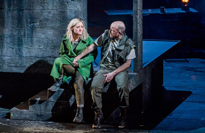 Anne=Marie Duff and Rory Kinnear in Macbeth at Olivier, National Theatre, London. Photo: Tristram Kenton