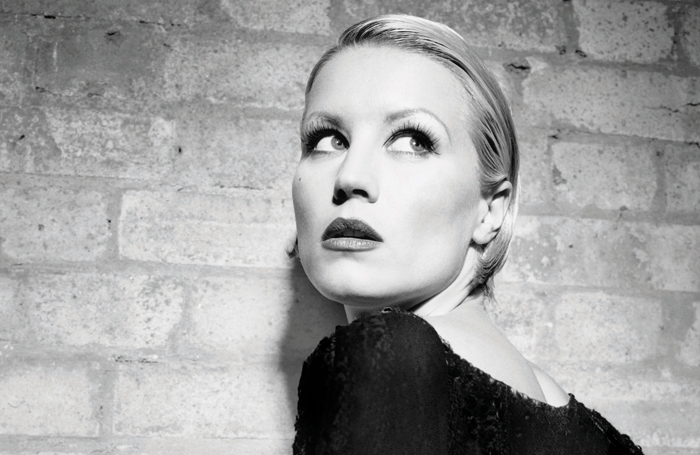 Denise Van Outen will play Velma Kelly in Chicago at the Phoenix Theatre