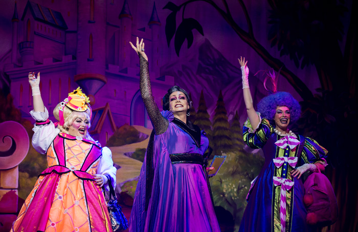 Cinderella Review At New Victoria Theatre Woking