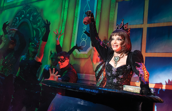 Snow White and the Seven Dwarfs review at the Palace Theatre, Mansfield