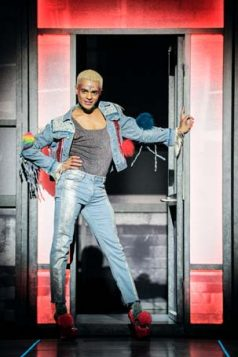 everybody's talking about jamie - photo #19