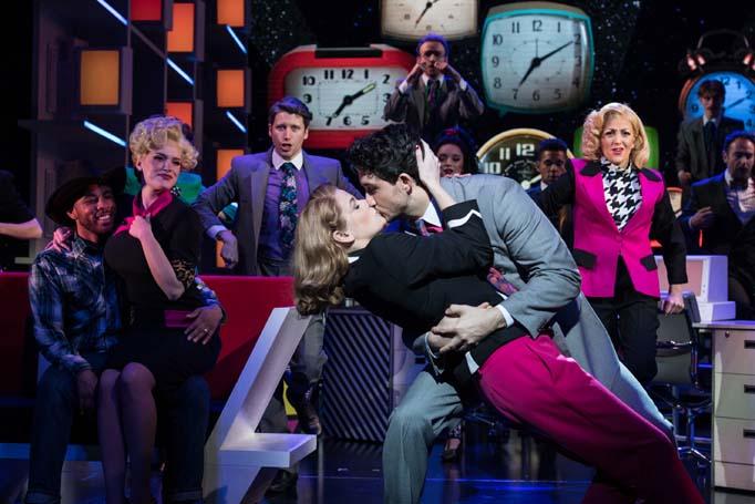 9 to 5 musical london review