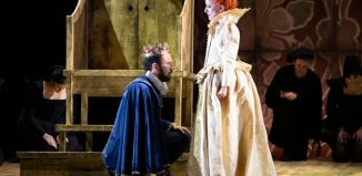 Luciano Botelho and Mary Plazas in English Touring Opera's Elizabeth I. Photo: Richard Hubert Smith
