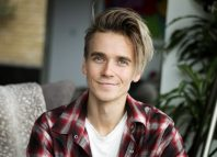 Joe Sugg will play Ogie in Waitress from September 9