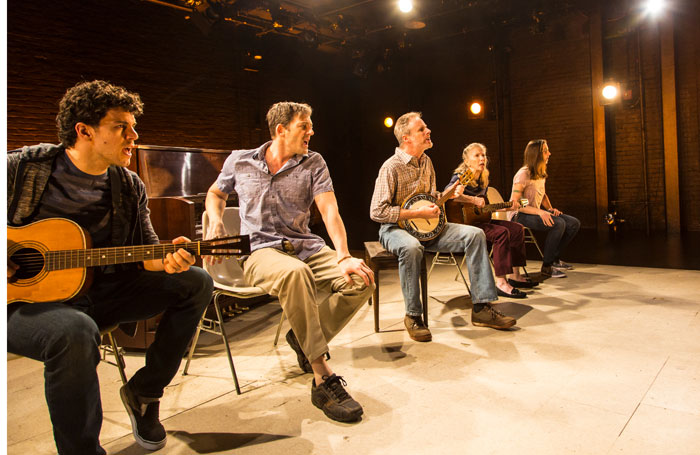 America is Hard to See review at Underbelly Cowgate, Edinburgh – 'compelling and well-crafted'