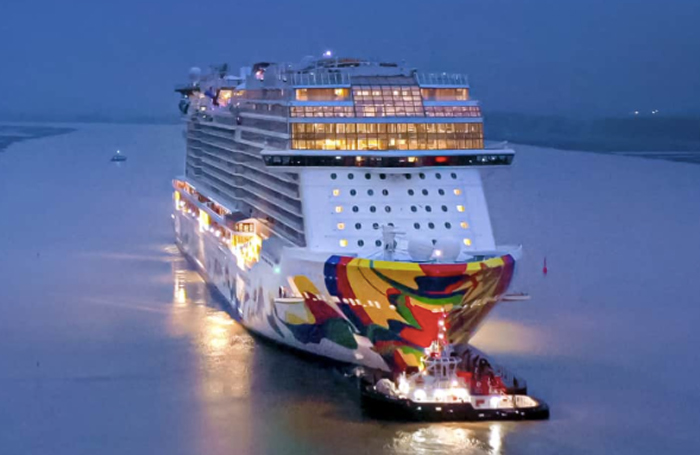 Coronavirus: Cruise ship performers fear they will be stranded as world locks down